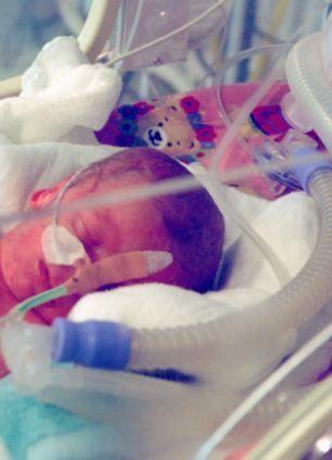 Horror en hospitales ingleses: Durante semanas se mata de hambre y sed a bebés y niños con problemas