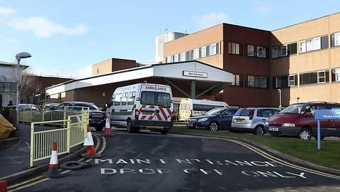 El escándalo de Stafford, con cientos de muertos por negligencia, es la punta del iceberg de una red hospitalaria desastrosa. Ocho centros más están bajo investigación.