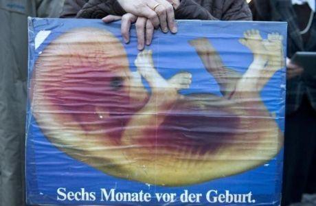 Un tribunal regional había prohibido la distribución de hojas informativas contra el aborto en los alrededores de una clínica abortista. Sabela Valcárcel - 08/12/2015 458