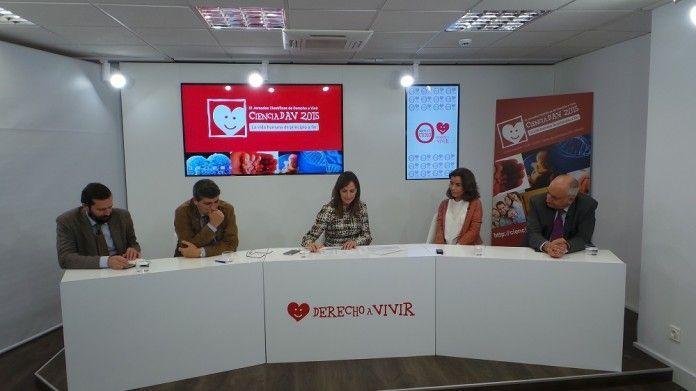 De izquierda a derecha: Dr. Borja Montero, Dr. Moreno Villares, Dr. Gádor Joya, Dr. Blanca López-Ibor y Dr. Álvaro Gándara