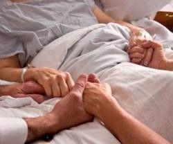 Los enfermos quieren que los médicos les quiten el dolor, no que les quiten la vida