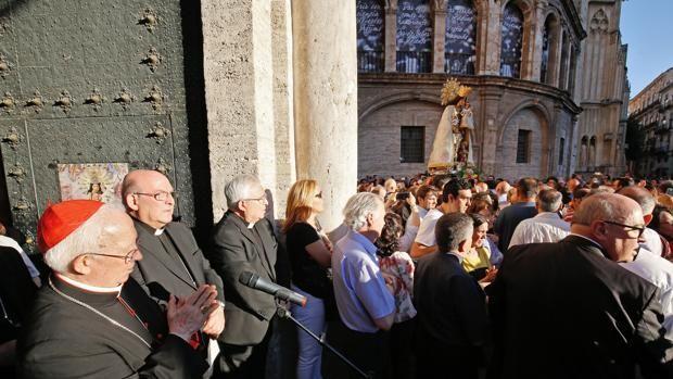 Imágenes del Cardenal Cañizares en el acto de desagravio a la Virgen de los Desamparados - ROBER SOLSONA