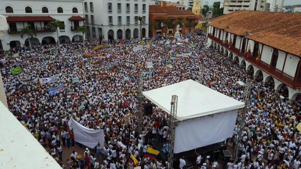 Miles de personas han salido a las calles de Colombia contra la ideología de género