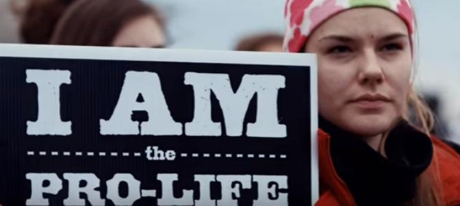 Una manifestante pro vida en Estados Unidos